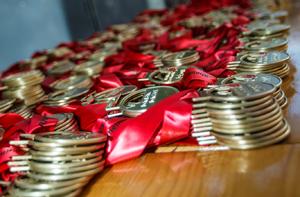 Foto Medaillen auf Tisch
